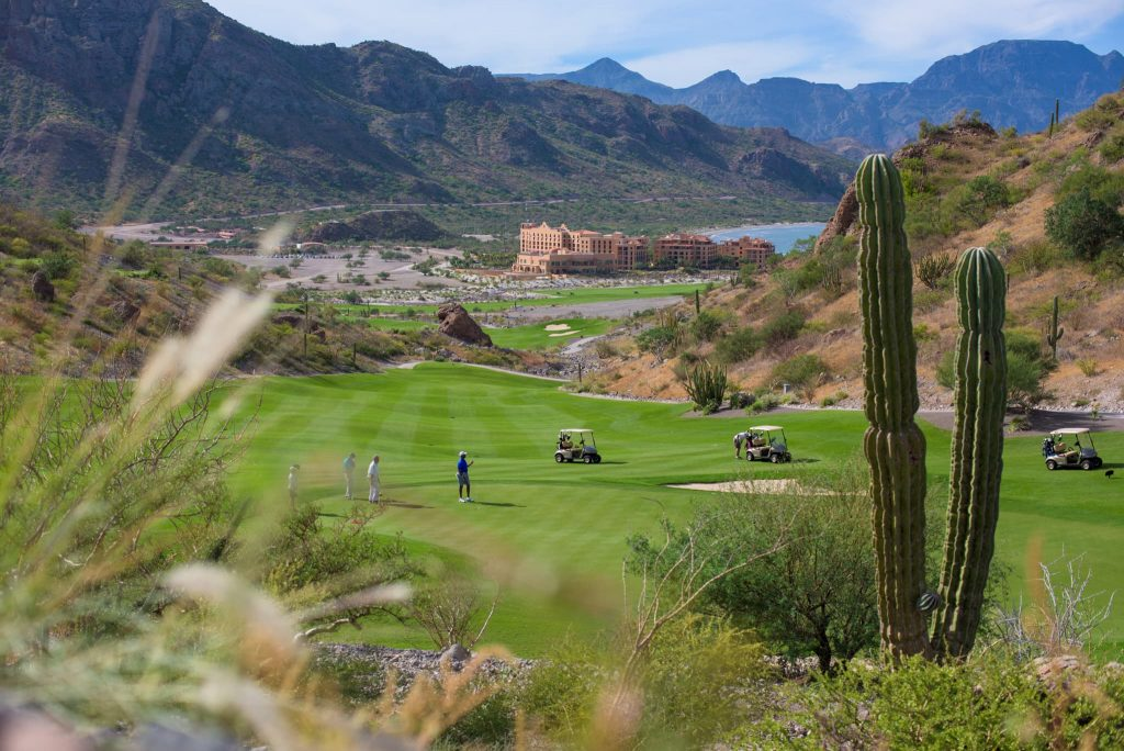 playing golf in loreto mexico at tpc danzante bay