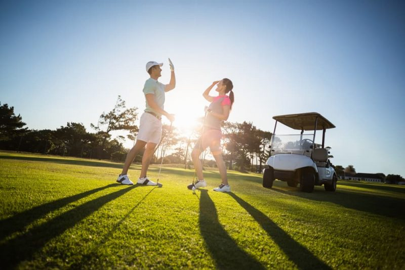 Play golf in couple