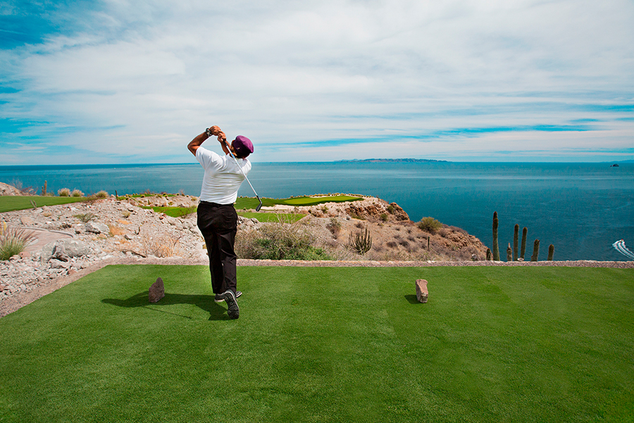Golf Swing - Playing golf in Mexico at TPC Danzante Bay