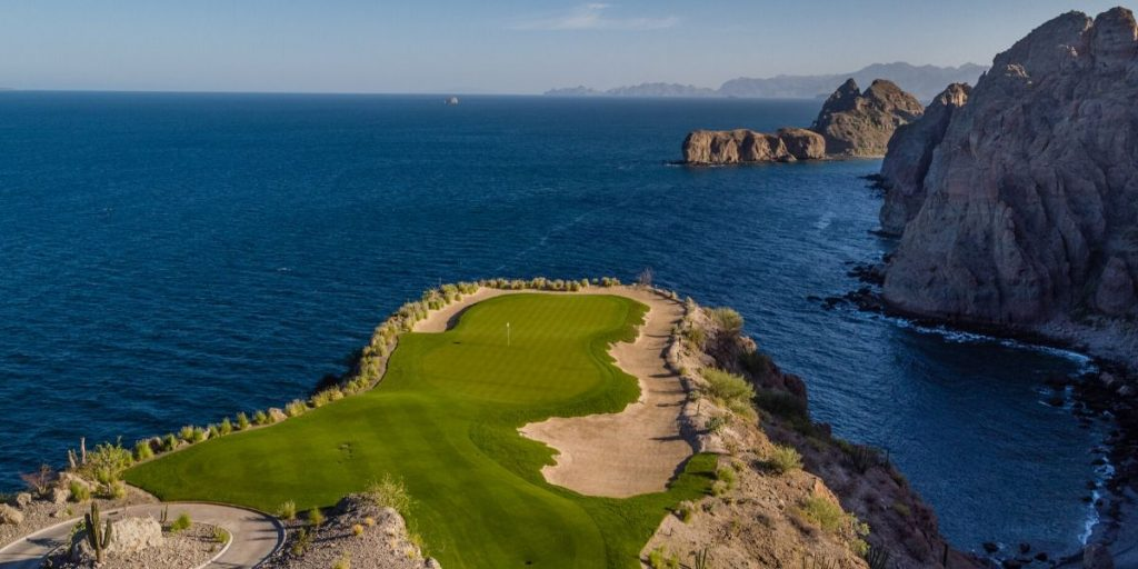 How Danzante Bay's 17th Hole Is Like Golf's Most Iconic Par 3s